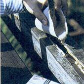 Как придать деревянным балкам первоначальный вид
