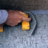 Как правильно обрезать края коврового покрытия