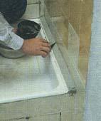 Как отремонтировать поверхности, облицованные плиткой