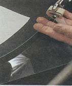 Как вырезать оконное стекло