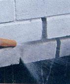 Как заделать швы в стенной кладке