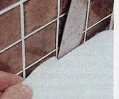Как обновить силиконовое уплотнение швов