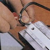 Как закрепить ручку