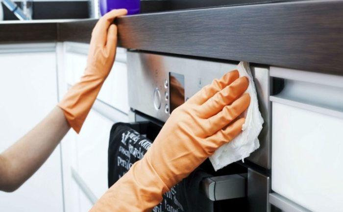 Чем отмывать кухонную мебель?