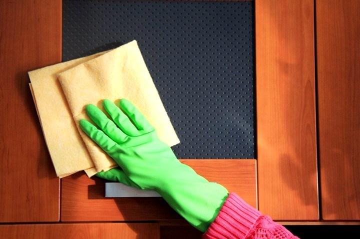 Чем чистить матовую мебель